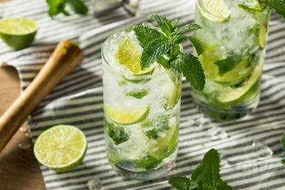 Refreshing Mint and LIme Mojitos