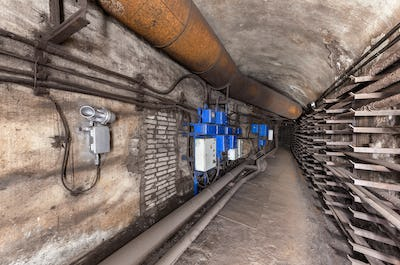 Underground communication tunnel