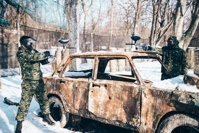 Paintball players shoots because of burned car