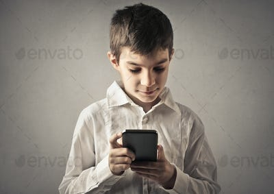Child with a smartphone
