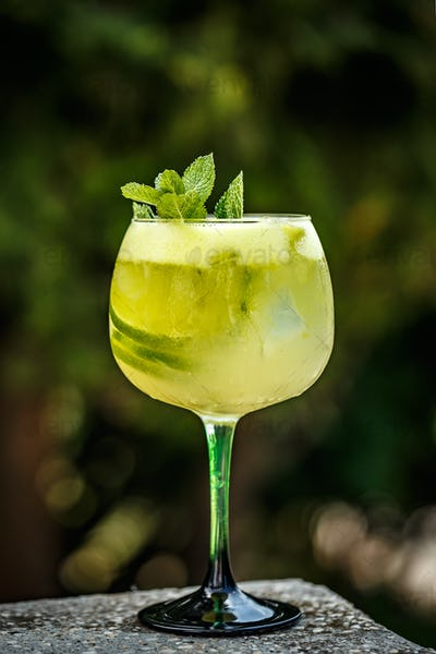 Elder lemonade