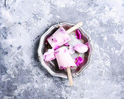 Sundae with taste of rose