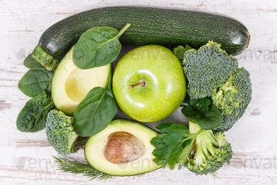 Green fruits and vegetables containing natural minerals, vitamins and fiber