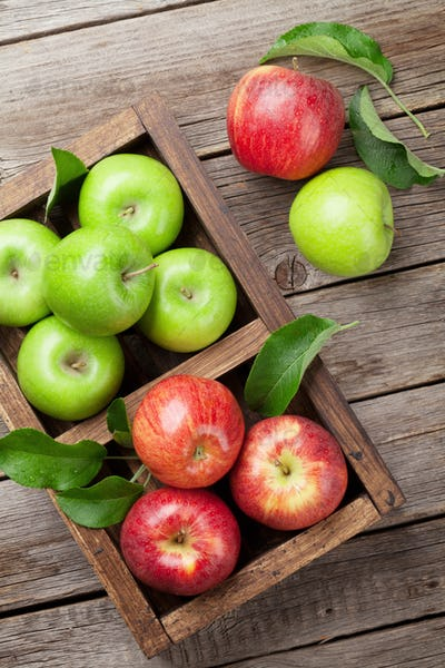 Green and red apples