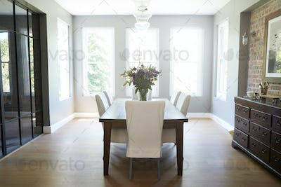 Modern furnished domestic dining room, without people