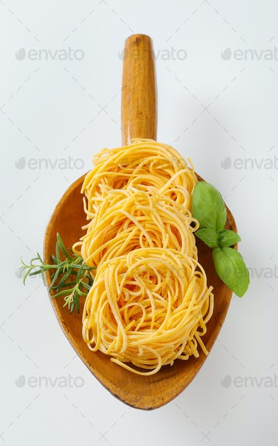bundles of spaghetti pasta