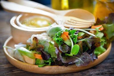 salad roll healthy food