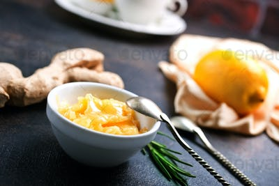 honey with lemon and ginger