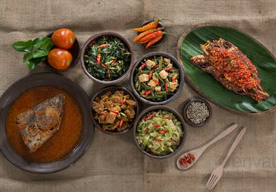 traditional indonesian dishes