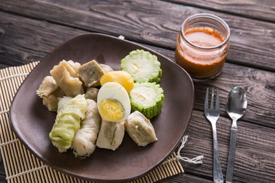 siomay. traditional indonesian food with peanut sauce