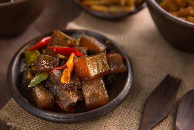 spicy oseng kikil