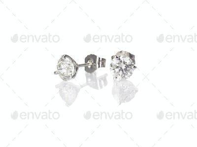 Diamond stud fine jewelry round brilliant pierced earrings