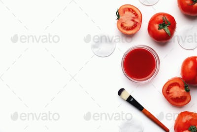 Homemade tomato face mask for natural beauty care