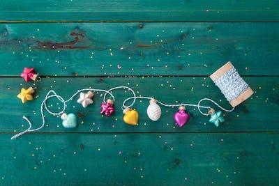 Cheerful Christmas garland