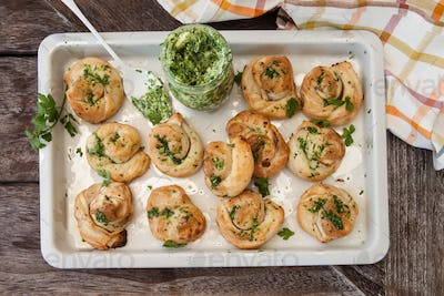 Savoury puff pastry snack