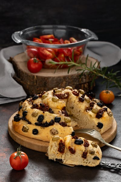 Bread With Dried Tomatoes And Olives