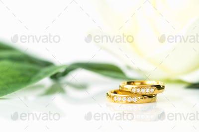 Close up Wedding ring on white_-2