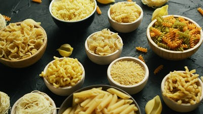 Different kinds of macaroni put in bowls