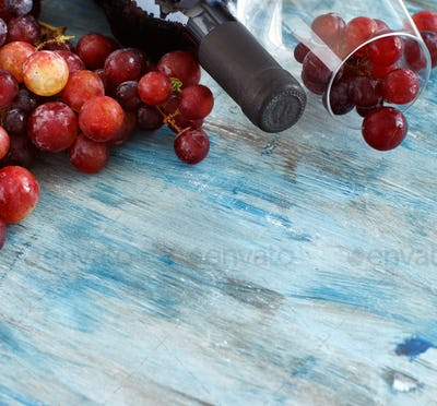 Grapes with bottle and glass