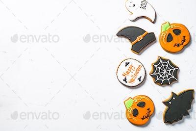 Halloween Gingerbread Cookies - pumpkin, ghosts, witch hat, spid