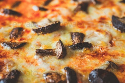 Pizza with porcini mushrooms