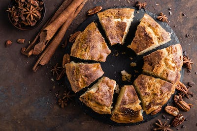 Bundt cake with cinnamon and nuts