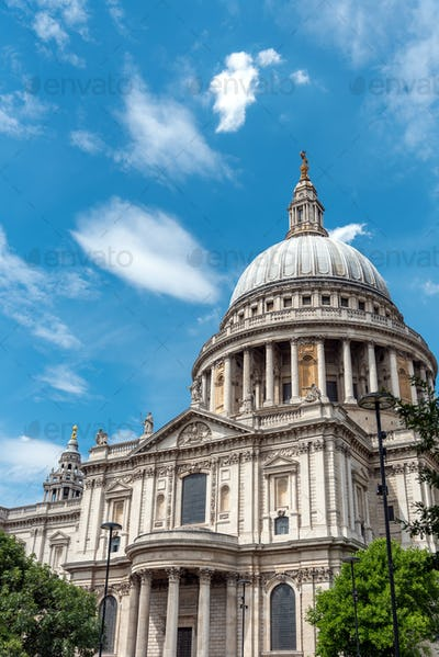 The famous St. Pauls Cathedral in London