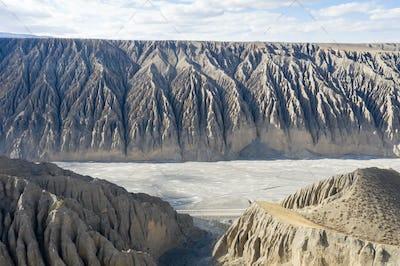 kuitun grand canyon, the tourist attraction of xinjiang