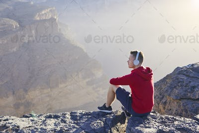 Relaxation in mountains