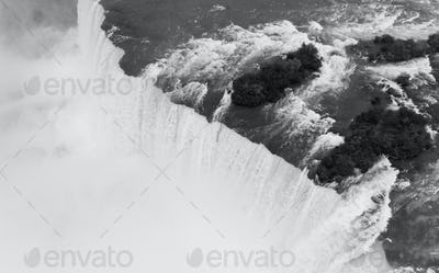 The Niagara River Cuts through the United States and Canada in New York