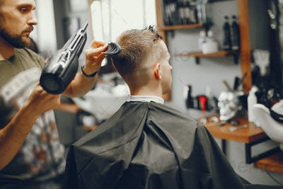 A man makes a stowage in the barber