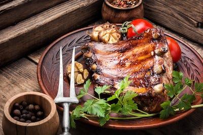 Roasted barbecue pork ribs