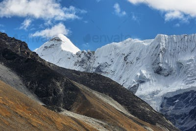 Island peak view from Chukhung valley
