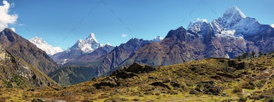 Ama Dablan and Thamserku mountain views