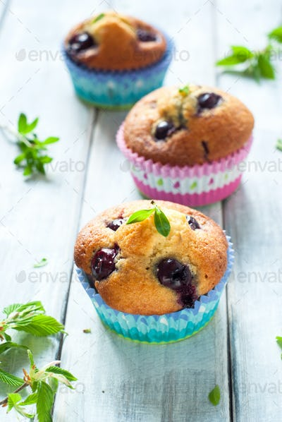 muffins with cherry