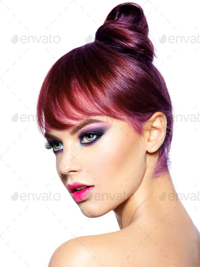 Short hairstyle with fringe. Colored hairstyle.