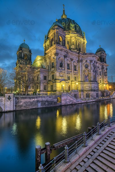 The Berlin Cathedral with the river Spree
