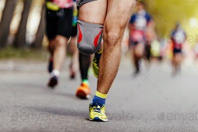 knee runner men in knee pads