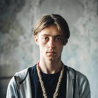 Junkie with noose around neck, gonna kill himself