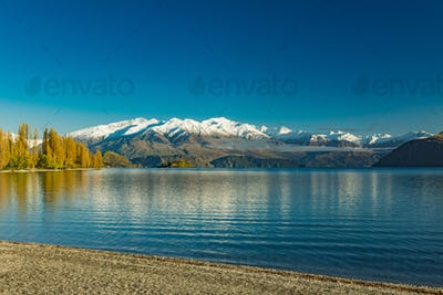Morning view of Lake Wanaka and Buchanan Peaks, New Zealand, sou