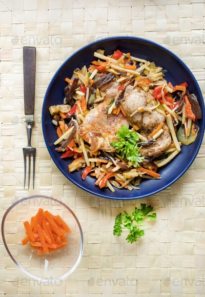 Fillet of chicken with vegetables.