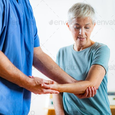 Senior physical therapy dsc 3217 n