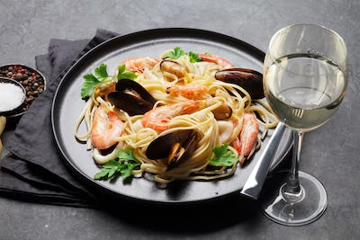 Spaghetti seafood pasta with clams and prawns
