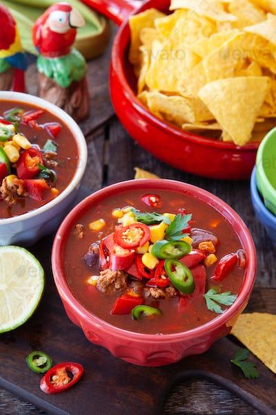 Spicy hot chili con carne