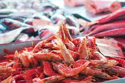Raw red prawns for sale