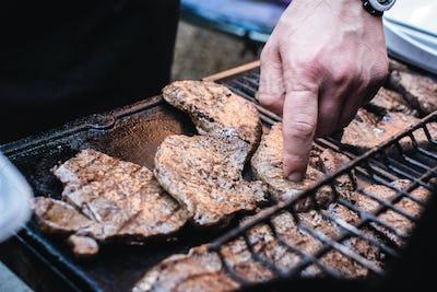 Grilling beef steaks