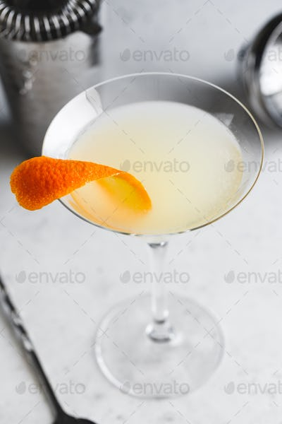 Corpse Reviver No. 2 classic Cocktail