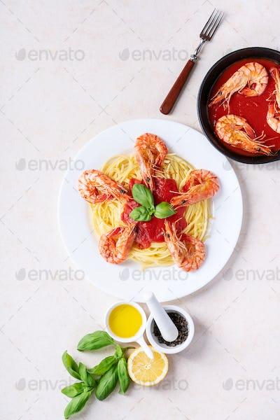 Fried shrimp prawns Italian spaghetti pasta
