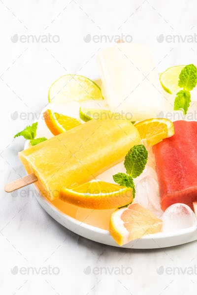 Resfreshing healthy natural juice popsicles