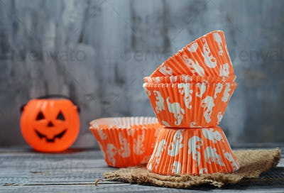 Paper baking cups for Halloween cupcakes